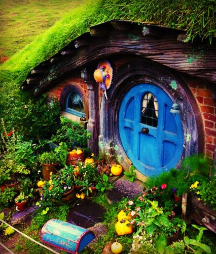 Hobbit house with blue door.Add a Hobbit House to your Fairy Garden we will show you how|fairiehollow.com